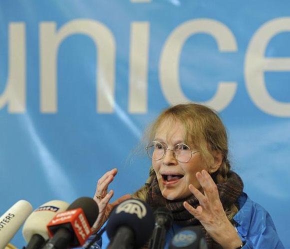 Mia Farrow, impresionada por las duras condiciones de los refugiados sirios en Líbano