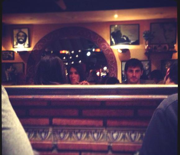 Iker Casillas y Sara Carbonero disfrutan de una agradable cena italiana con amigos