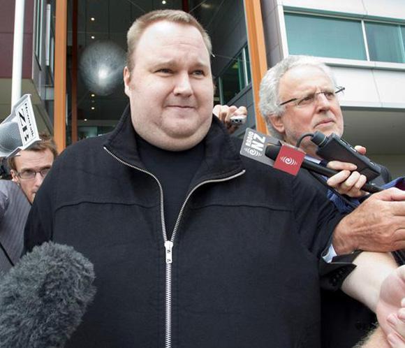 Dotcom sale ileso de un aterrizaje forzoso en helicóptero en Nueva Zelanda