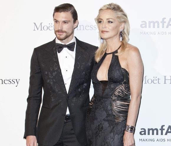 Sharon Stone y su novio Martin Mica, más cariñosos que nunca ajenos a los rumores de ruptura