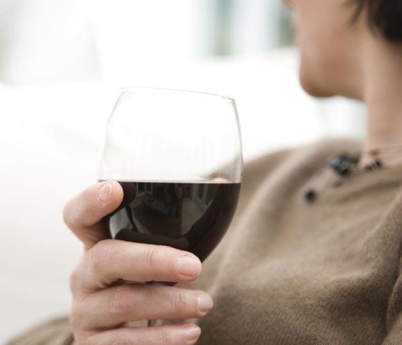 '¿Tomar vino puede producirme dolor de cabeza?'