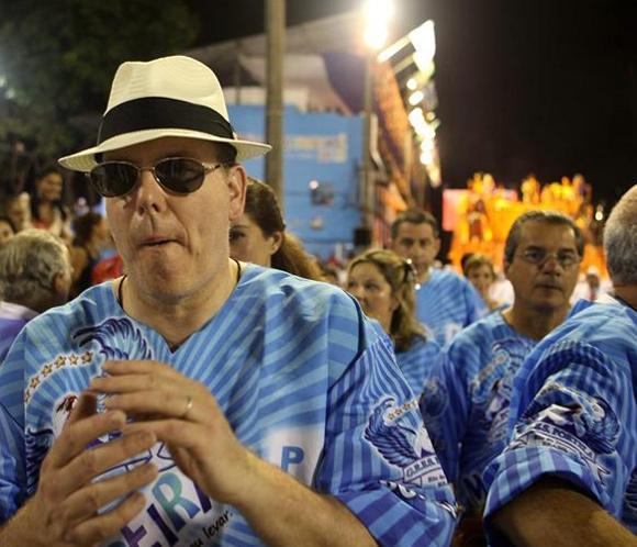 Alberto de Mónaco se disfraza de carioca y baila en el Carnaval de Río