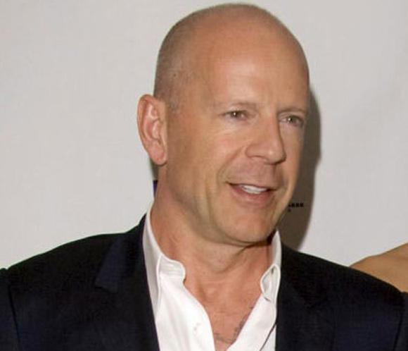 Bruce Willis, Russel Crowe... La cartelera se llena de tipos duros y corrupción política
