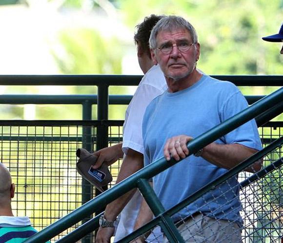 Harrison Ford visita en familia una favela de Río de Janeiro
