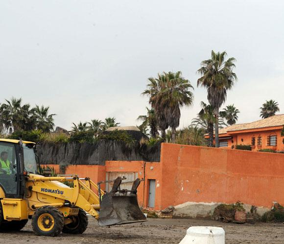 Comienzan las obras de derribo de una parte de la casa malagueña de Antonio Banderas