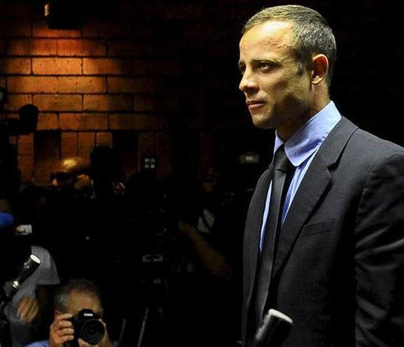 Un testigo escuchó gritar 'no dispares' en casa de Oscar Pistorius