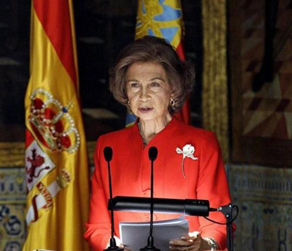 La reina inaugura el mayor centro logístico de medicamentos de Europa
