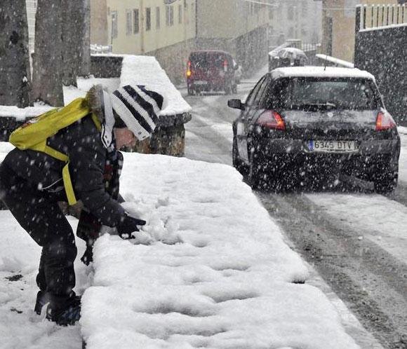 El temporal se agrava el jueves con nevadas de hasta 50 centímetros