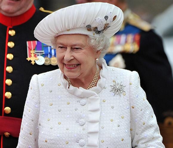 Isabel II, hospitalizada por primera vez en diez años