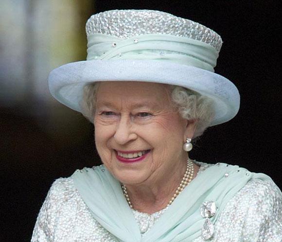 Isabel II se 'ofreció voluntaria' para el 'sketch' de James Bond en los Juegos Olímpicos