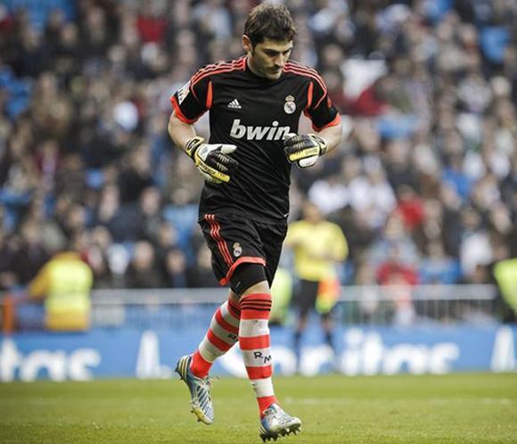 Iker Casillas, preparado para volver a jugar pero a la espera de recibir el 'alta competitiva'