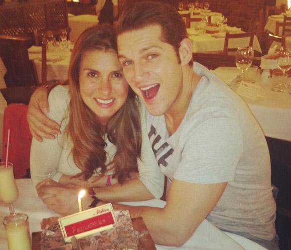 Manu Tenorio, sorprendido en su cumpleaños por Silvia Casas: '¡El mejor cumpleaños de mi vida!'