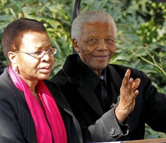 Nelson Mandela 'responde bien al tratamiento y se encuentra mucho mejor'