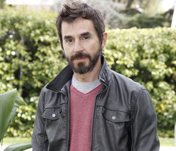 Santi Millán presenta la nueva temporada de 'Frágiles': 'Me gusta mucho la forma de trabajar porqueno estamos sujetosa un guión'
