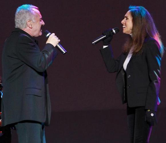 Ana Belén y Víctor Manuel cautivan al público en su primer concierto en Bolivia