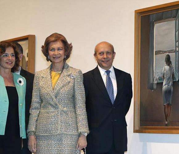 La Reina inaugura una gran exposición con 200 obras de Dalí