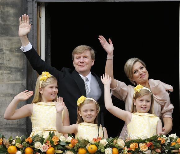 Las princesas Amalia, Alexia y Ariane visten moda española