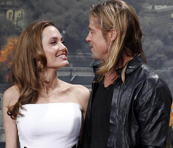 Brad Pitt y Angelina Jolie convierten la alfombra roja en el salón de su casa
