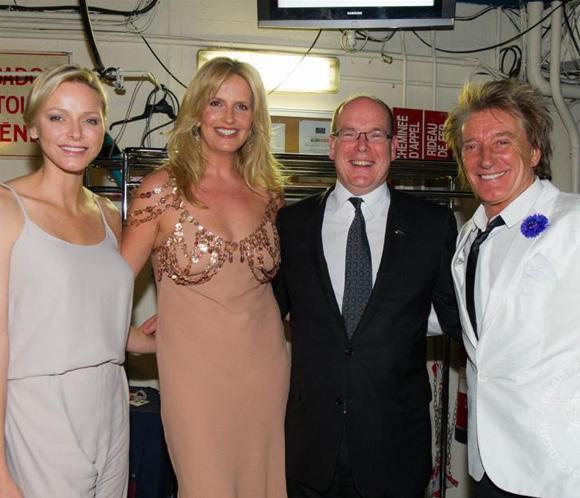 Alberto y Charlene de Mónaco, seguidores incondicionales de Rod Stewart
