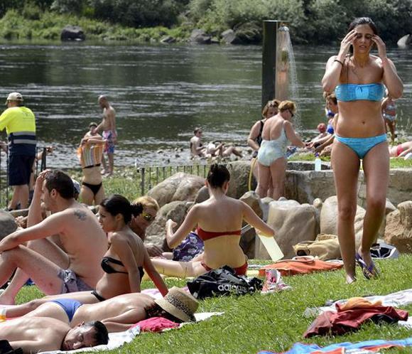 El calor coloca a 24 provincias en alerta, con Ourense en riesgo extremo