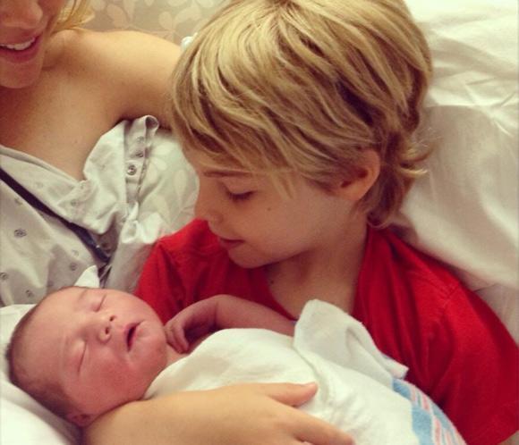 Kevin Richardson, de los 'Backstreet Boys', nos presenta a su segundo hijo, Maxwell