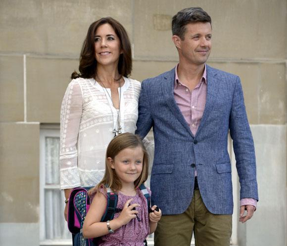 Laprincesa Isabella, muy ilusionada en su primer día de colegio