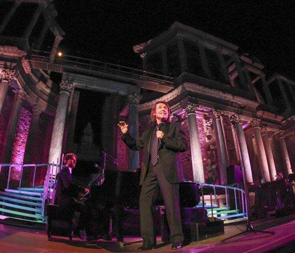 El Teatro Romano de Mérida se rinde ante Raphael