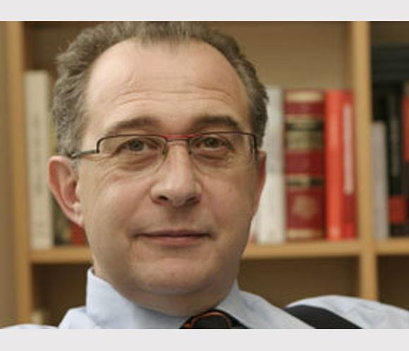 El periodista Germán Yanke permanece ingresado tras sufrir un infarto cerebral