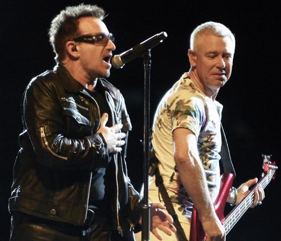 Adam Clayton, bajista de U2, se casa con una modelo brasileña