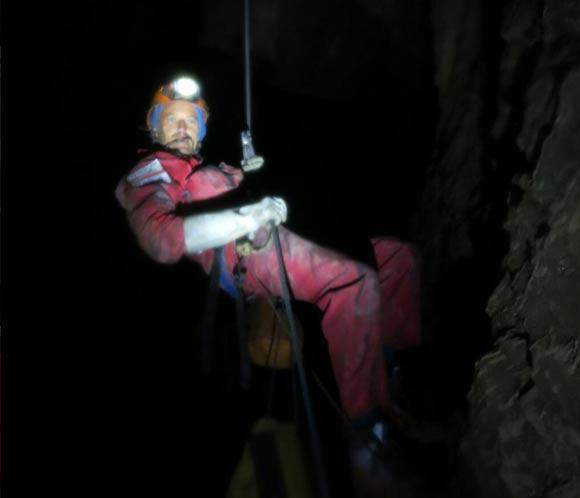 Jesús Calleja, atrapado a 1.600 de profundidad en Rusia