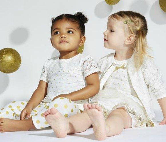 Las hermanas Kardashian lanzan una colección de ropa para bebés ...