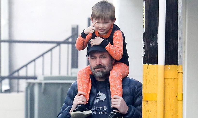 Ben Affleck disfruta de su familia tras haber confesado que sufre una adicción