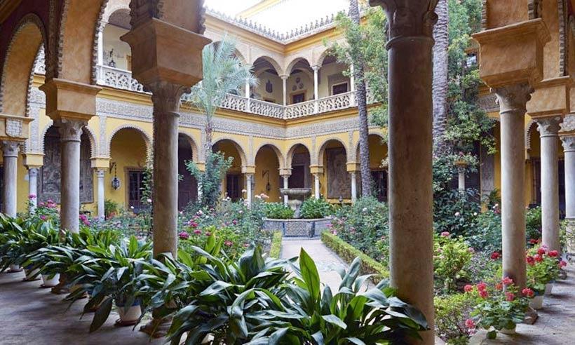 El Palacio de Dueñas recibe a 150.000 visitantes en su primer año de puertas abiertas