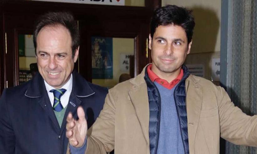 Francisco Rivera recoge la demanda interpuesta por sus exsocios, donde le reclaman 1,3 millones de euros