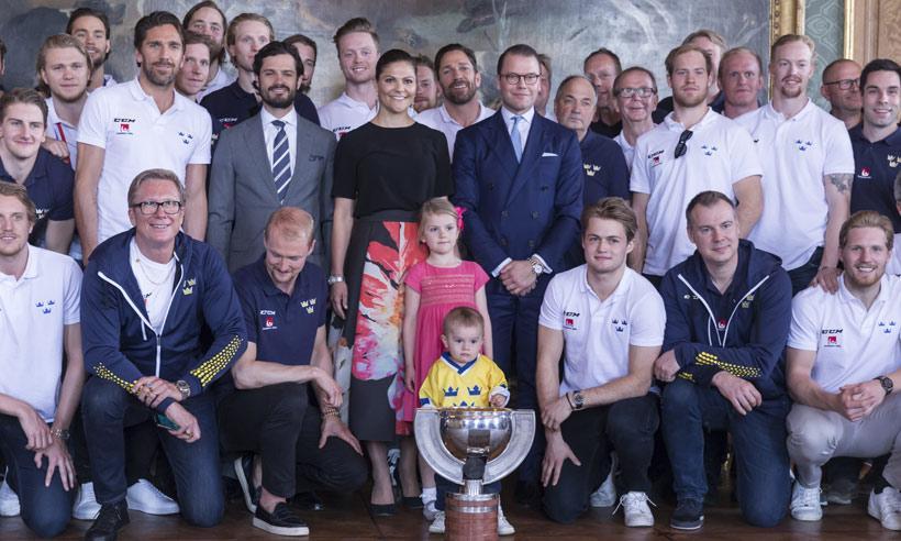 Oscar de Dinamarca, el jugador más 'peque' de la elección sueca de hockey sobre hielo