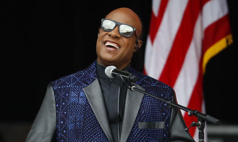 Stevie Wonder se casa por tercera vez