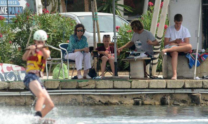 La reina Sofís y sus nietos, de vacaciones en Mallorca