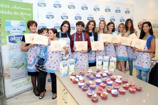Alma Obregón te enseña a hacer cupcakes con las bebidas vegetales Alpro de Central Lechera Asturiana