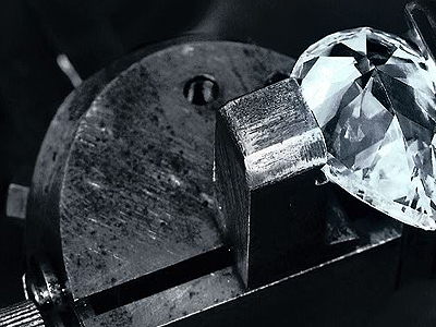 Así se fabrica un anillo de compromiso