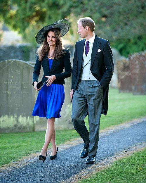 Vestido azul rey con chaqueta