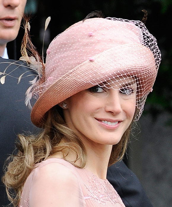 Invitadas 2011 los diez mejores tocados de las bodas for Tocados elegantes para bodas