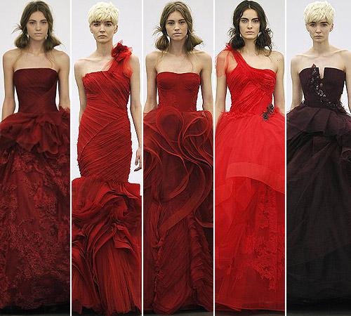 Los vestidos de novia rojos enamoran en Barcelona y Nueva York