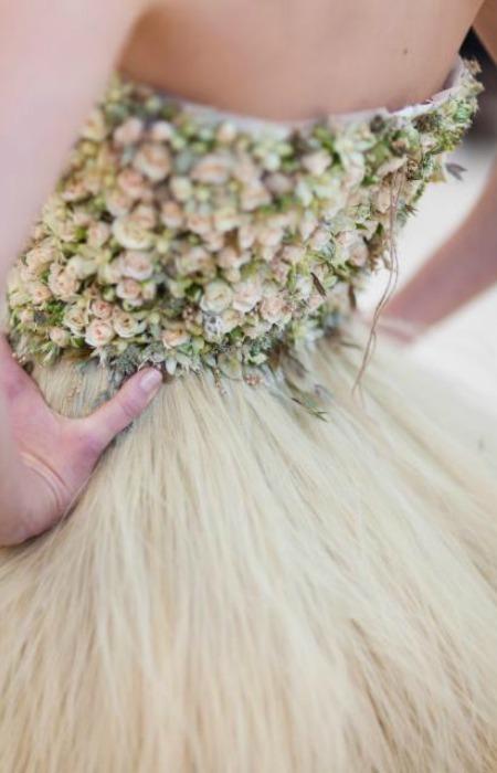 Vestidos de novia hecho con flores naturales