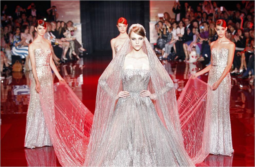 Elie saab tambi 233 n cerr 243 su propuesta haute couture con un vestido de
