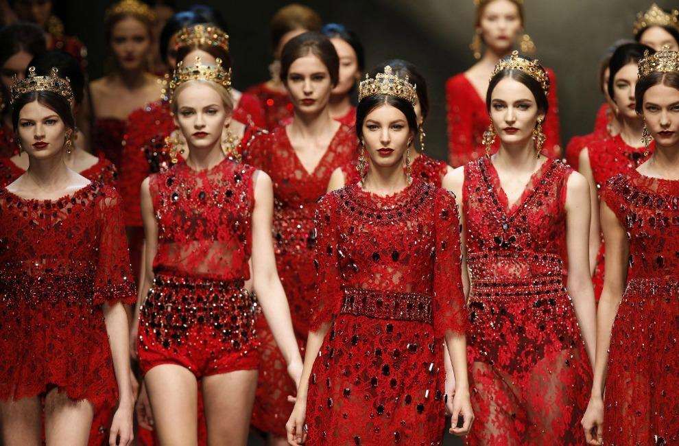 Modelos de vestidos de noche color conchevino