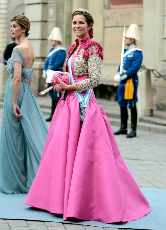 Un repaso al armario de fiesta de la Infanta Elena | Cotilleando ...