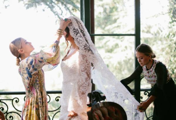 El primer vestido de novia de Ashley y Mary-Kate Olsen