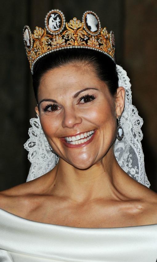 novia royal victoria escort