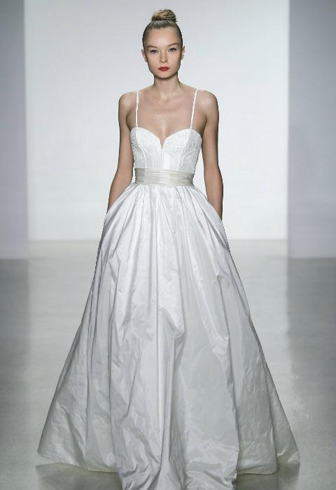 Once vestidos de novia como el de Angelina Jolie