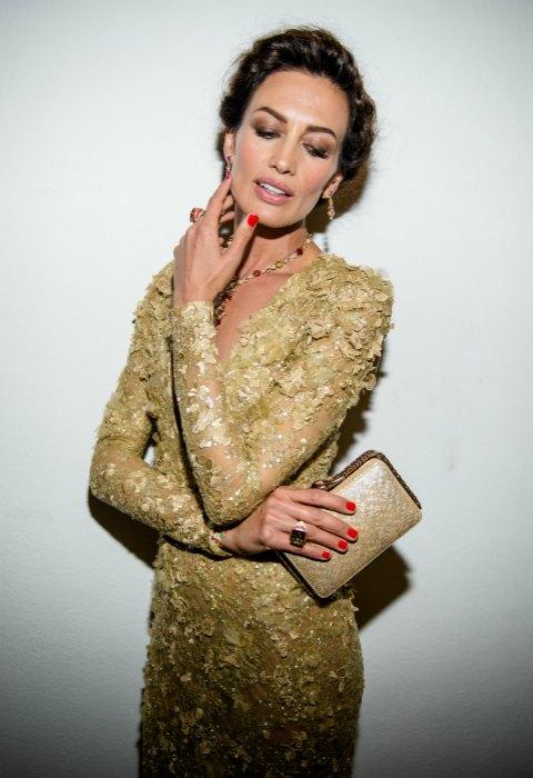 El 'total look' en color oro de Nieves Álvarez
